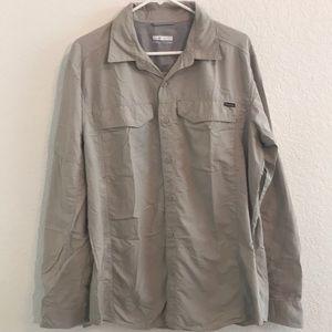 Columbia light gray hiking shirt